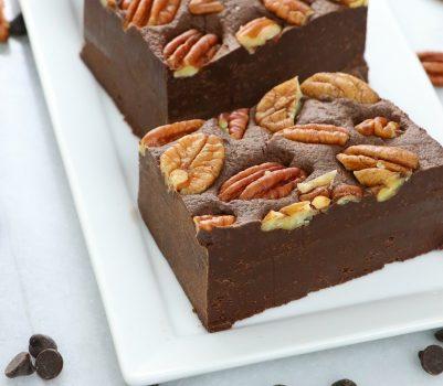 quick and easy vegan 4-Ingredient Chocolate Pecan Fudge