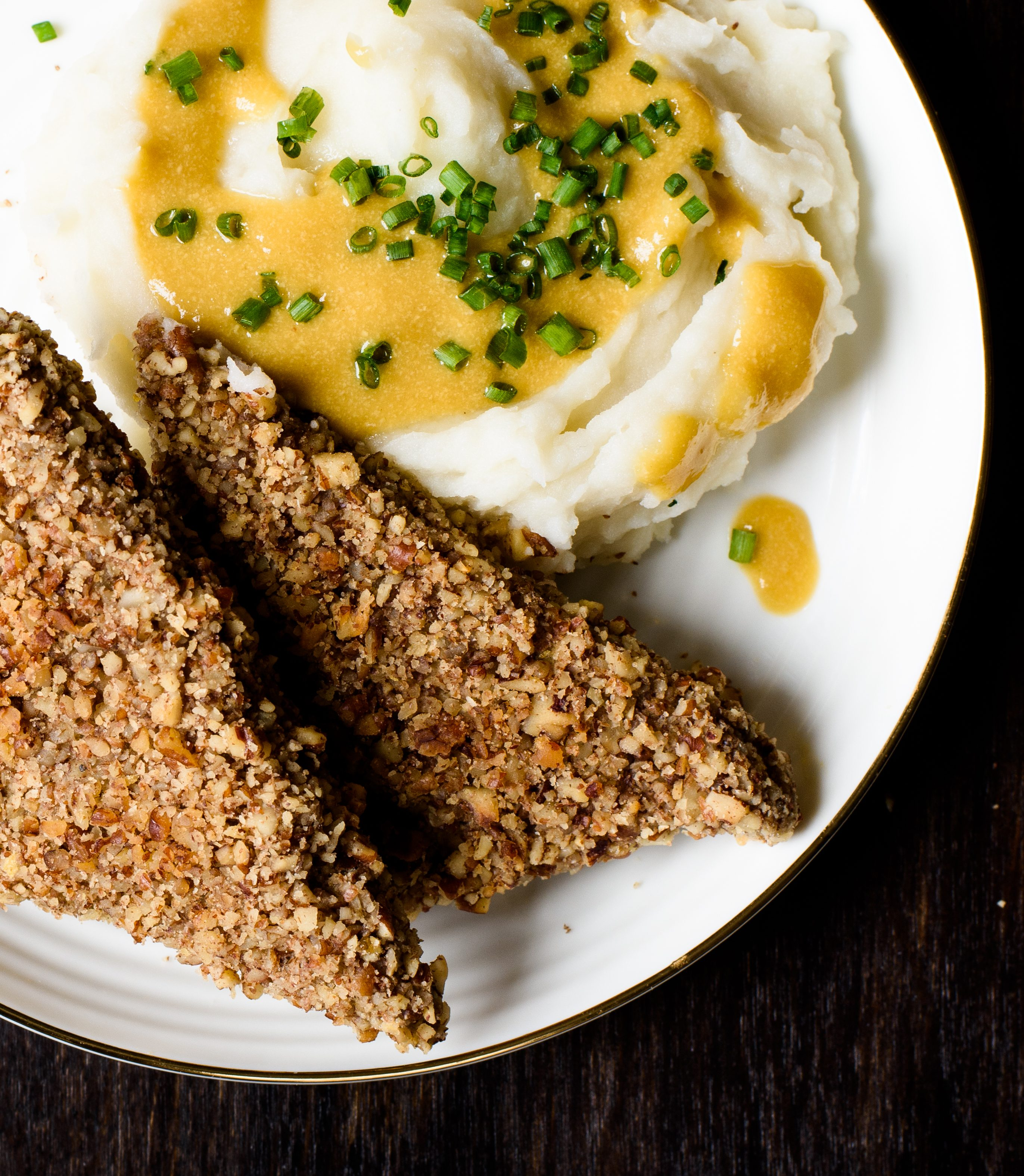 Pecan-Crusted Tempeh Cutlets