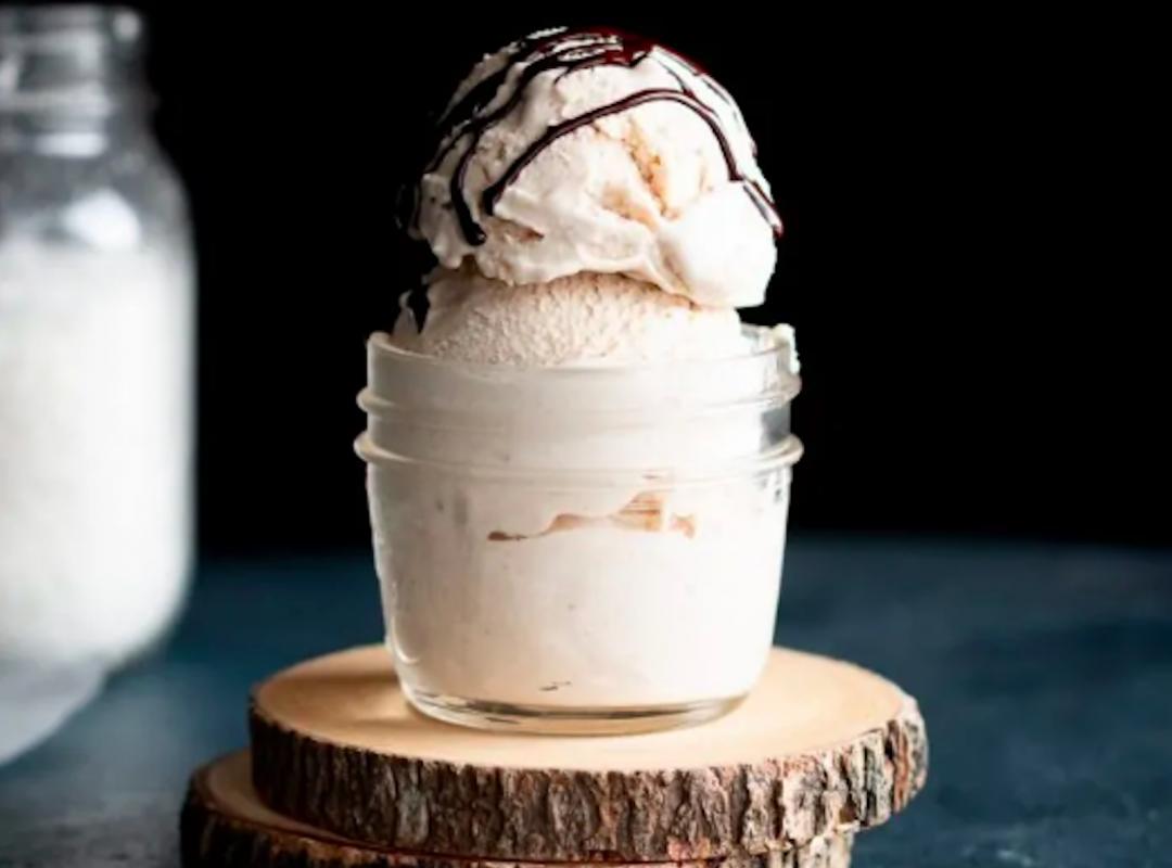 Vegan Cashew Coconut Vanilla Ice Cream