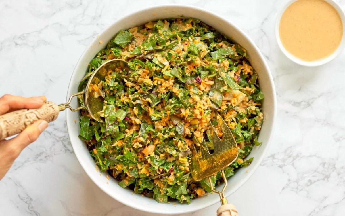 Vegan Thai Kale Salad With Peanut Sauce