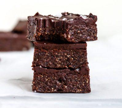vegan gluten-free paleo refined sugar-free healthy no-bake brownies