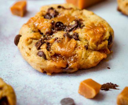 vegan Chocolate Chip Caramel Cookies