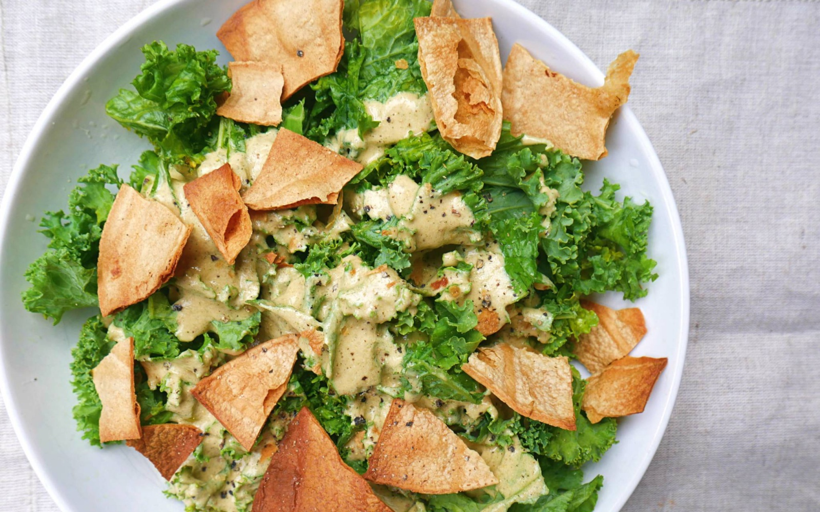 Kale caesar salad with oil-free croutons