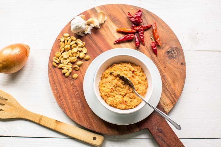 Easy Vegan Peanut Salsa