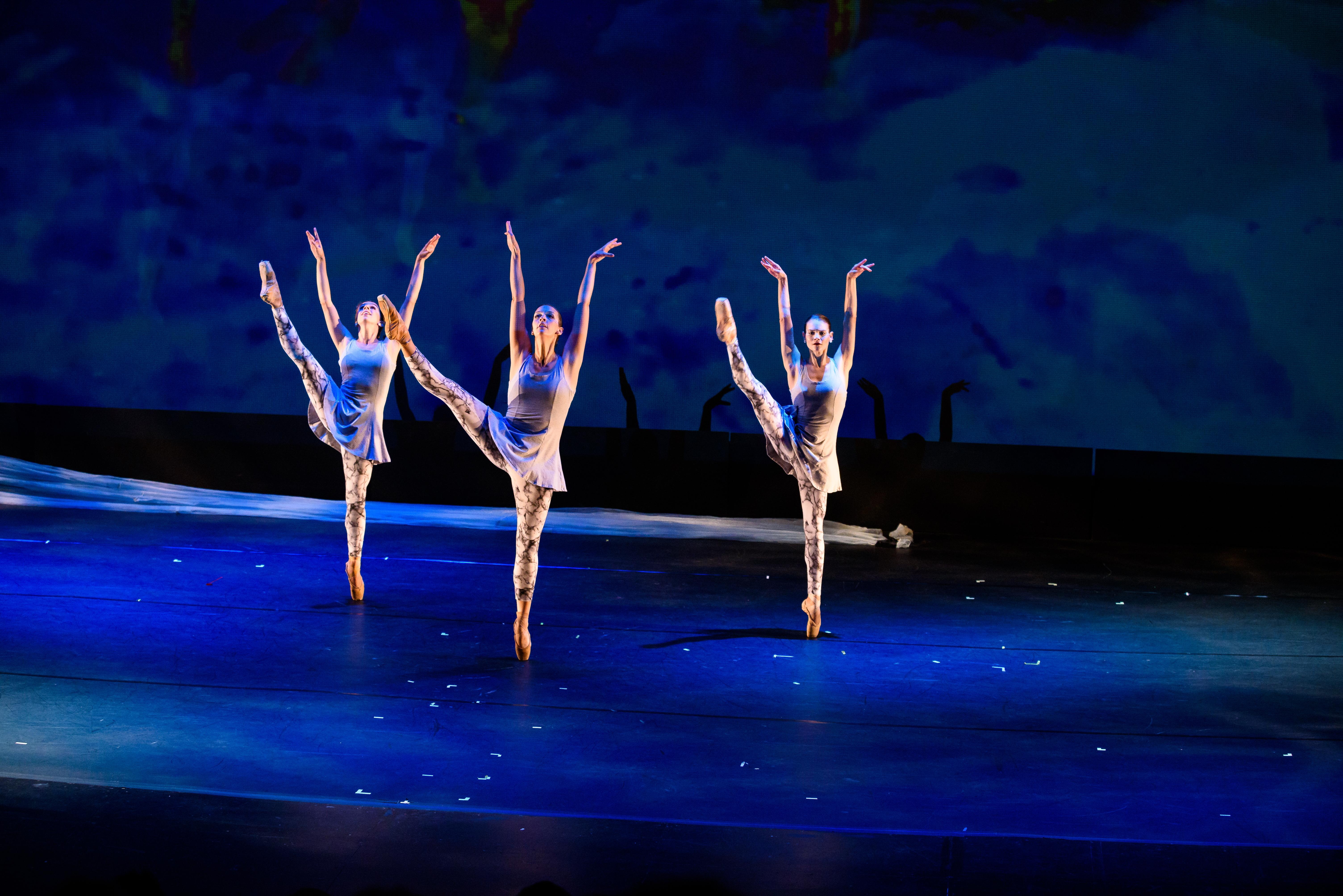 MOVEIUS Contemporary Ballet performs GLACIER: A Climate Change Ballet