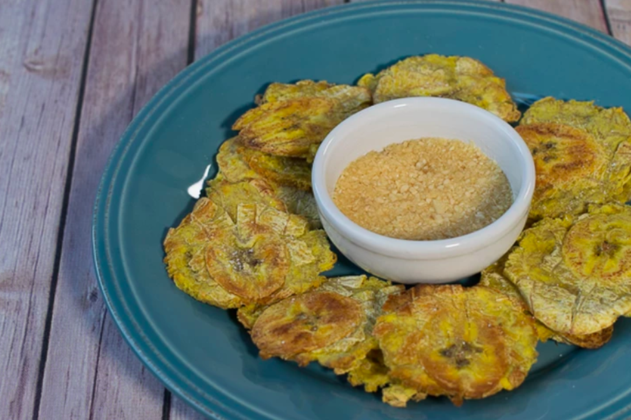 vegan oven-fried tostones with garlic mojito sauce