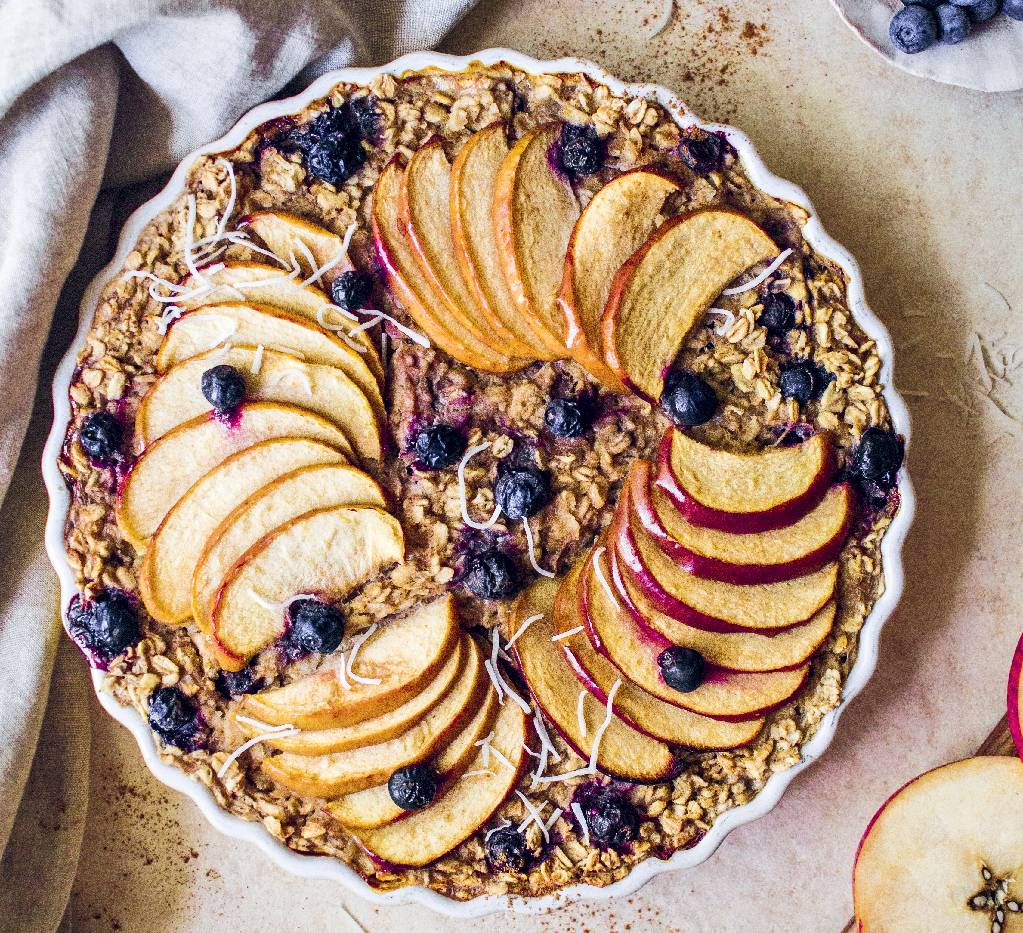 Vegan Apple and Blueberry Pie Baked Oats
