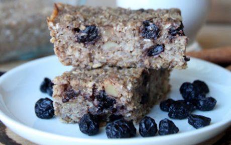 Blueberry and Cinnamon Toast Breakfast Bars
