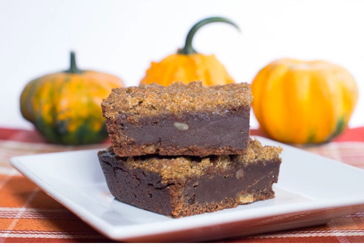 Vegan streusel topped pumpkin brownies