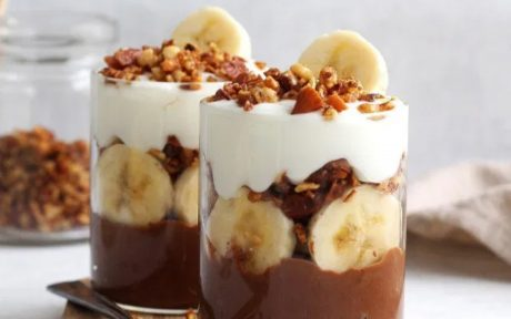HEALTHY CHUNKY MONKEY PUDDING PARFAIT