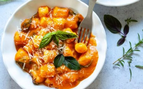 One-Pan Gnocchi in Cherry Tomato Sauce