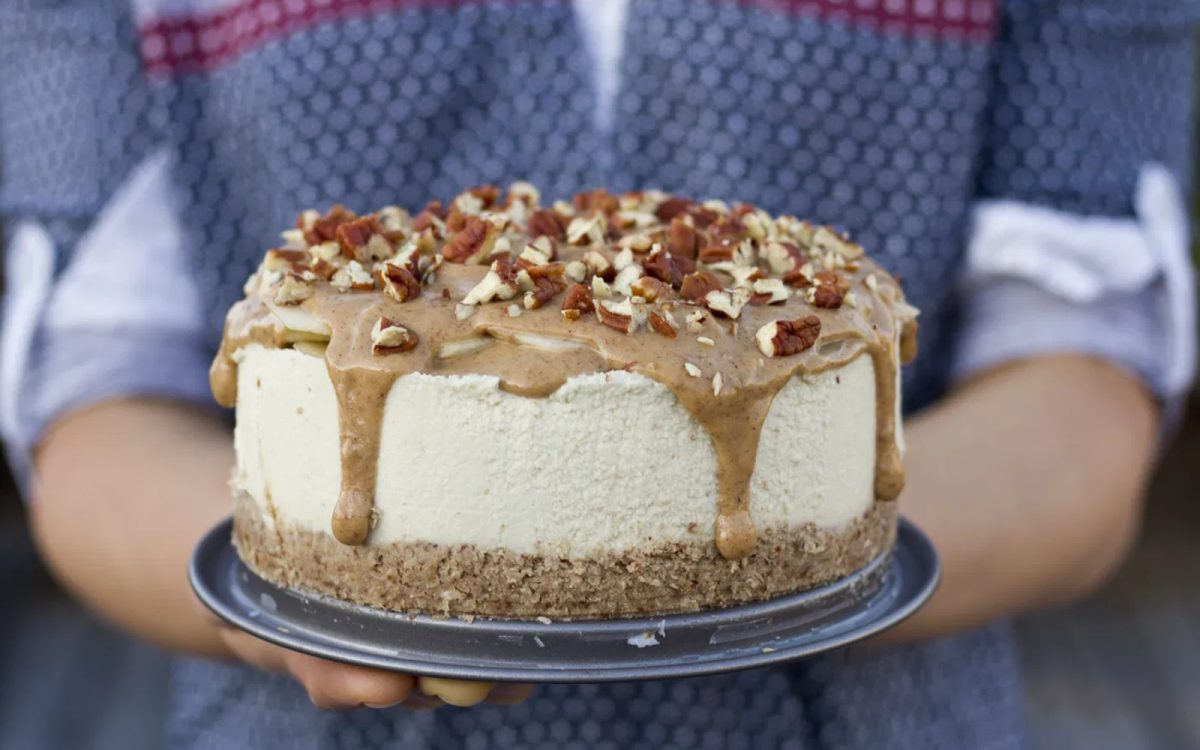 Vegan Salted Caramel Apple Cheesecake