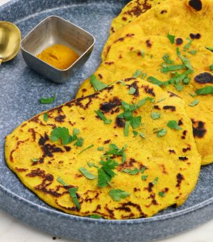 Tumeric Flatbread with spices