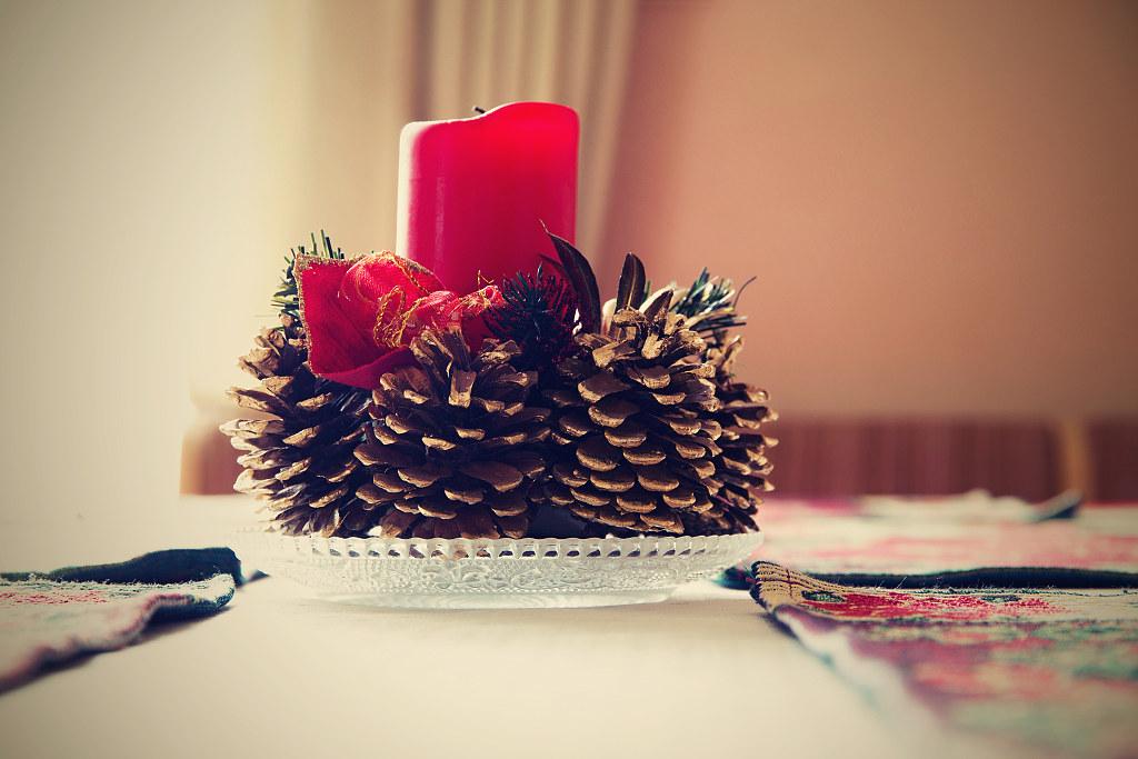pine cone Christmas centerpiece