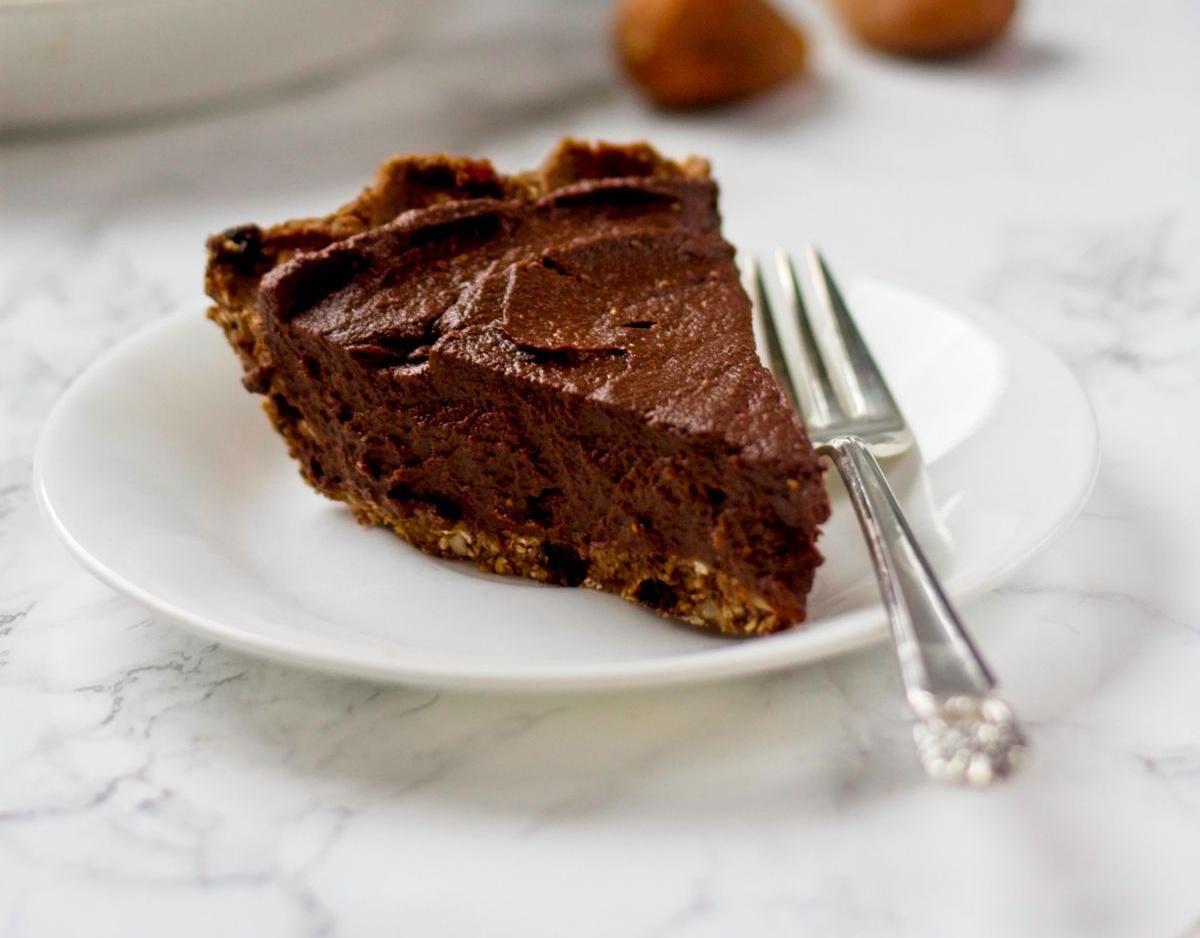vegan california fig chocolate cream pie
