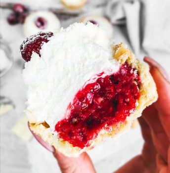 vegan raspberry white chocolate tarts