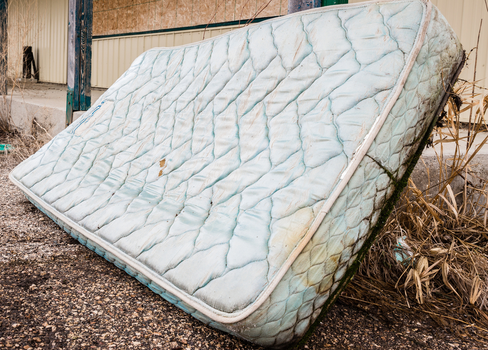 how to repurpose old mattresses