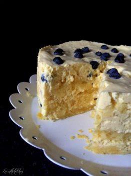 Vegan Blueberry Swiss Roll