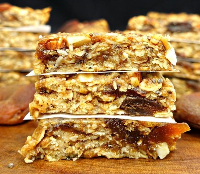 Vegan and Gluten-free No-Bake Apricot Almond Granola Bars