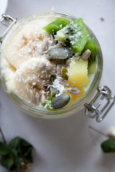 Vegan Tropical Overnight Oats