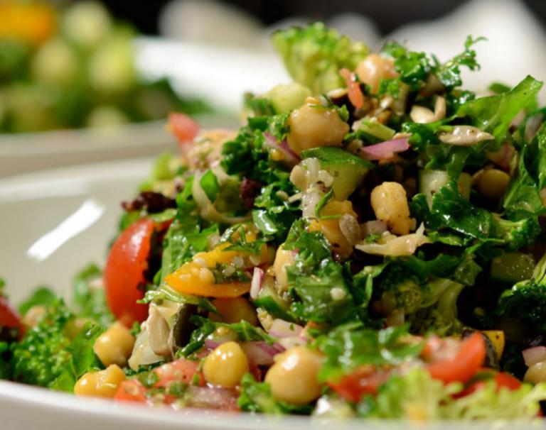 Vegan Crunchy Mediterranean Salad