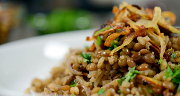 Vegan Middle Eastern Lentils and Rice with Crispy Onions