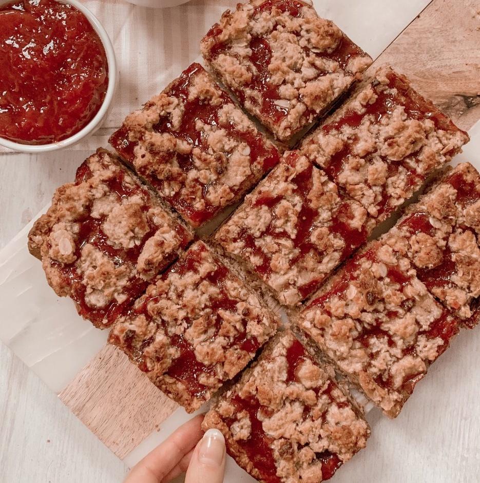 Vegan Strawberry Jam Oat Bars