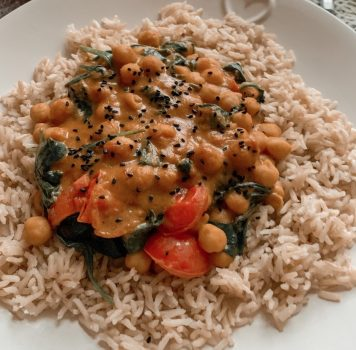 Chickpea Spinach and Coconut Curry