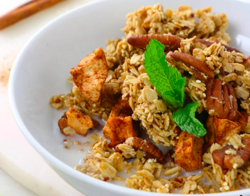 Apple Pie Granola with Toasted Pecans and Quinoa