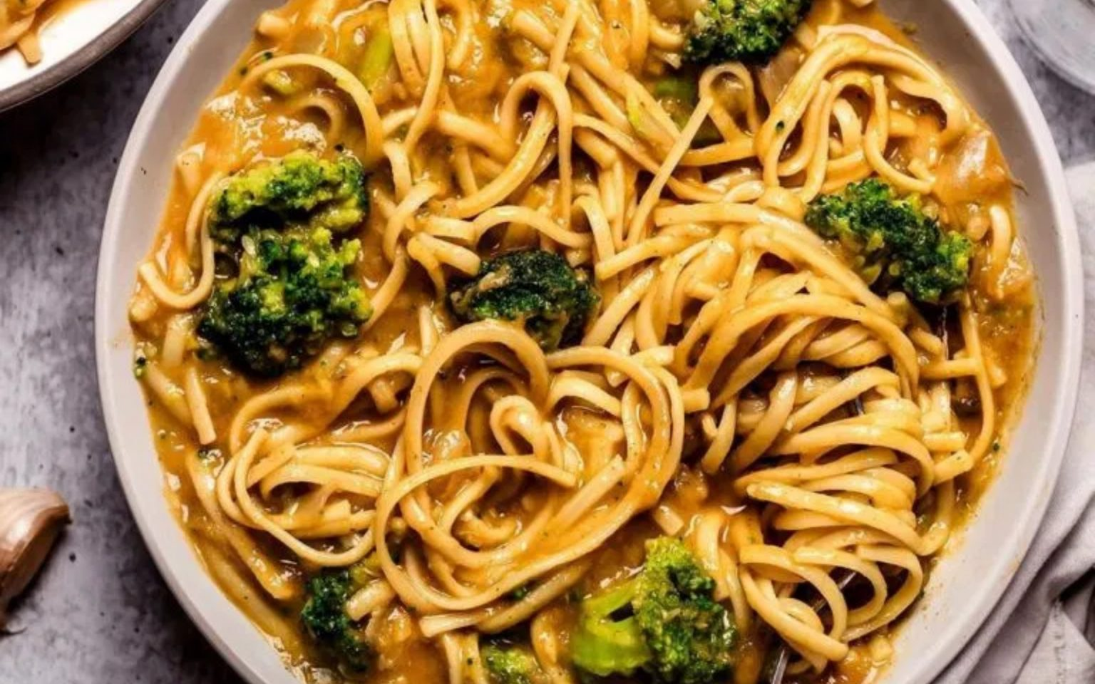 Creamy Coconut Curry Noodles