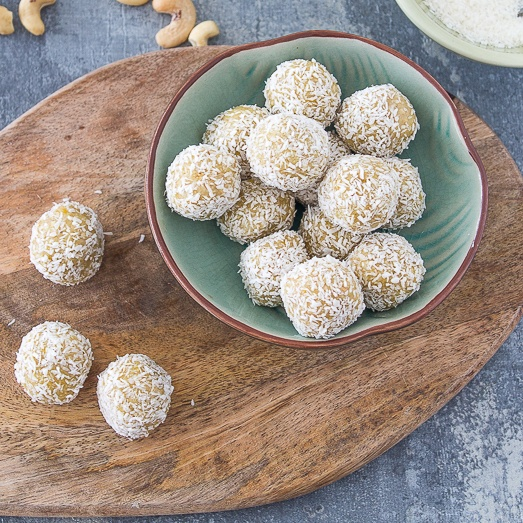 Cashew and Lemon Balls [Vegan, Gluten Free, Sugar Free]