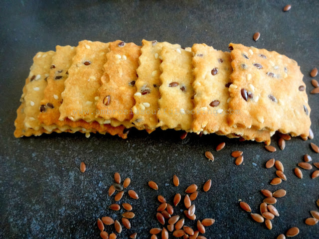Wholegrain Flaxseed and Sesame Crackers/