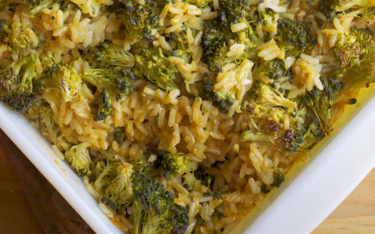 Easy Cheesy Broccoli and Brown Rice Bake