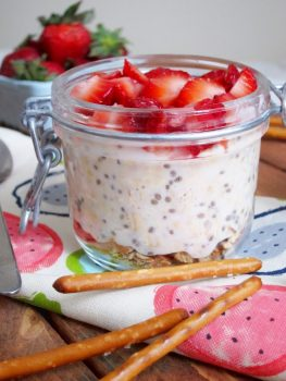 Strawberry Pretzel Oatmeal