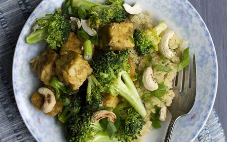 Vegan Quinoa Pilaf with Spicy Tempeh and Broccoli