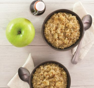 Vegan Oatmeal Apple and Cardamom