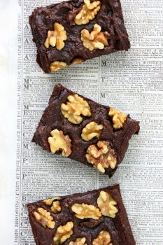 Flourless Avocado Walnut Brownies