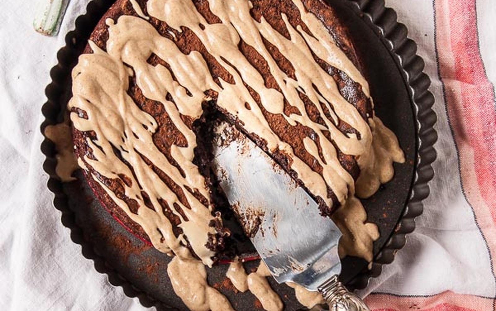 Flourless Peanut Butter and Chocolate Cake