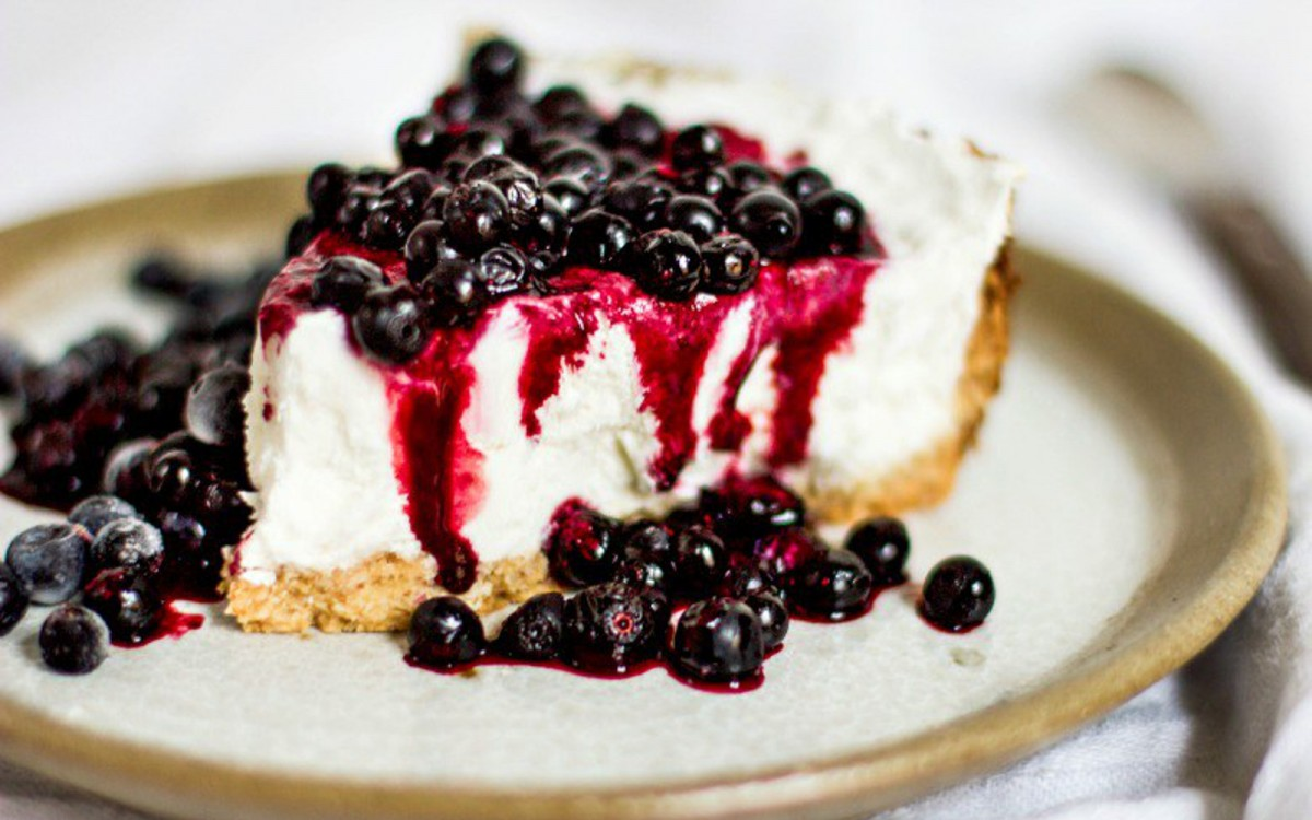 White Coconut-Millet Cheesecake