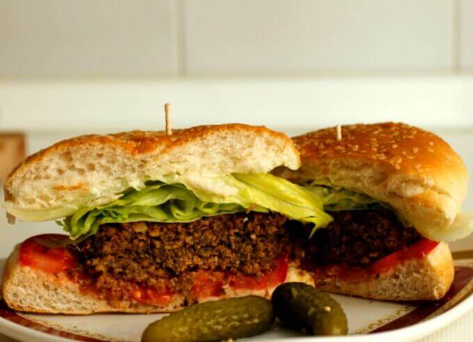 mushroom and nut burger