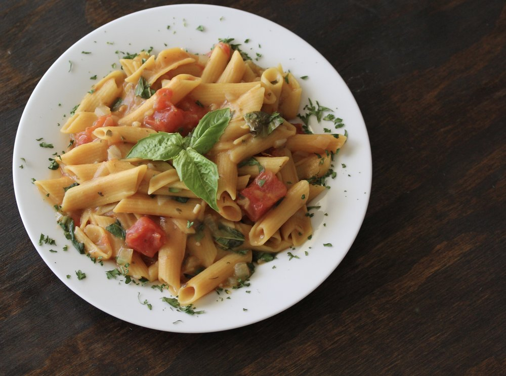 One Pot Tomato Basil Lentil Pasta