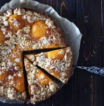 peach crumble cake