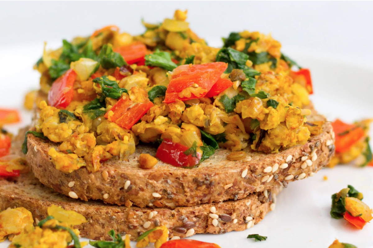 SMOKY TEMPEH SCRAMBLE