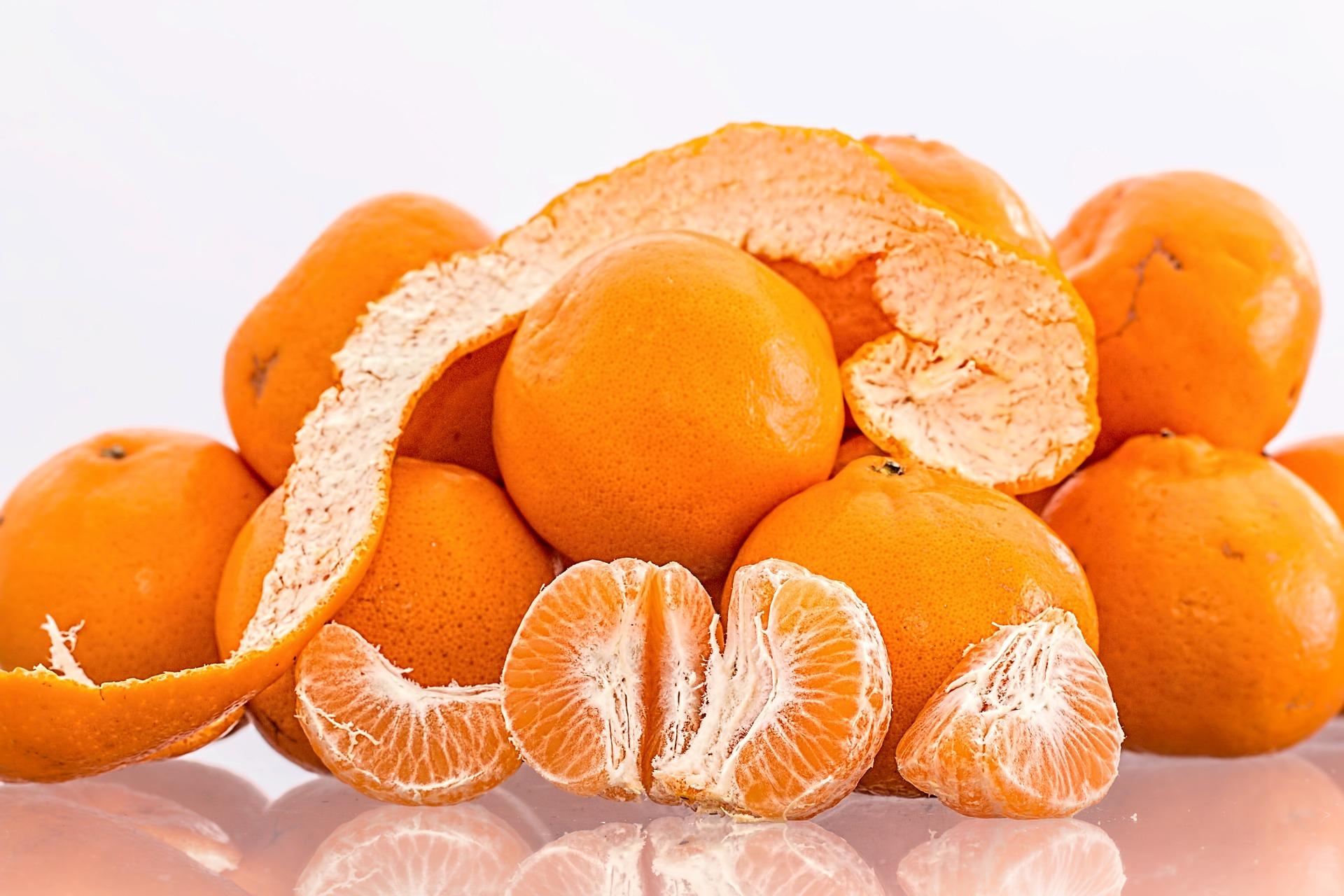 Oranges, high in vitamin c