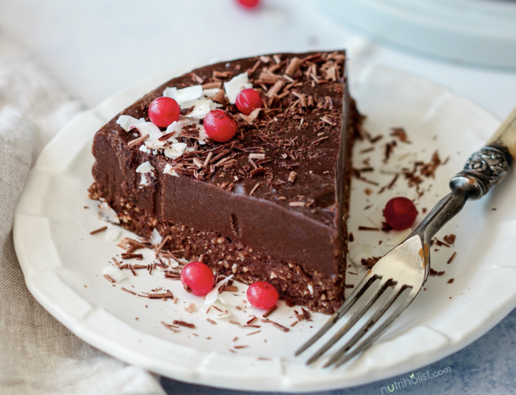 Raw Chocolate Fudge Cake