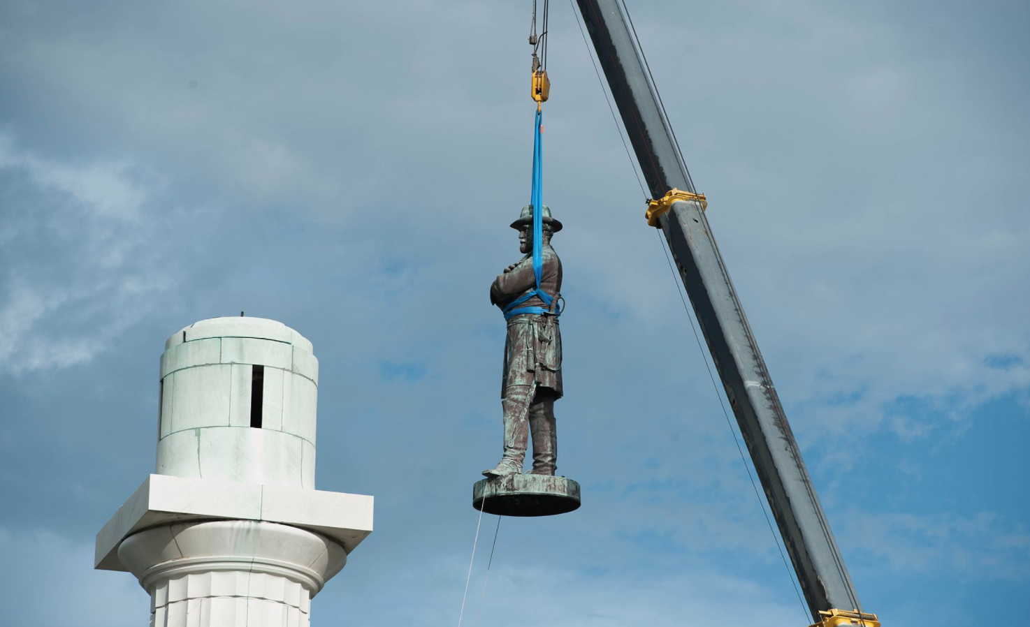 statue being removed