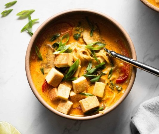 Coconut Curry Ramen with Crispy Tofu