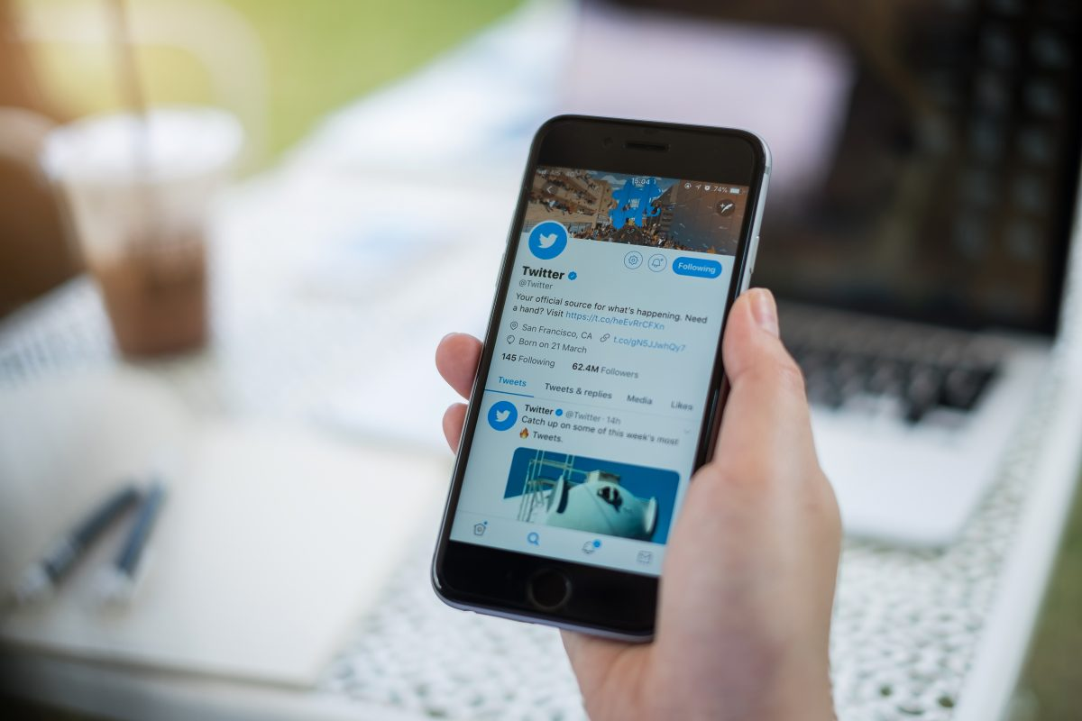Twitter Apologizes for Racist Image-Cropping Algorithm