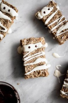 No-Bake Mummy Granola Bars