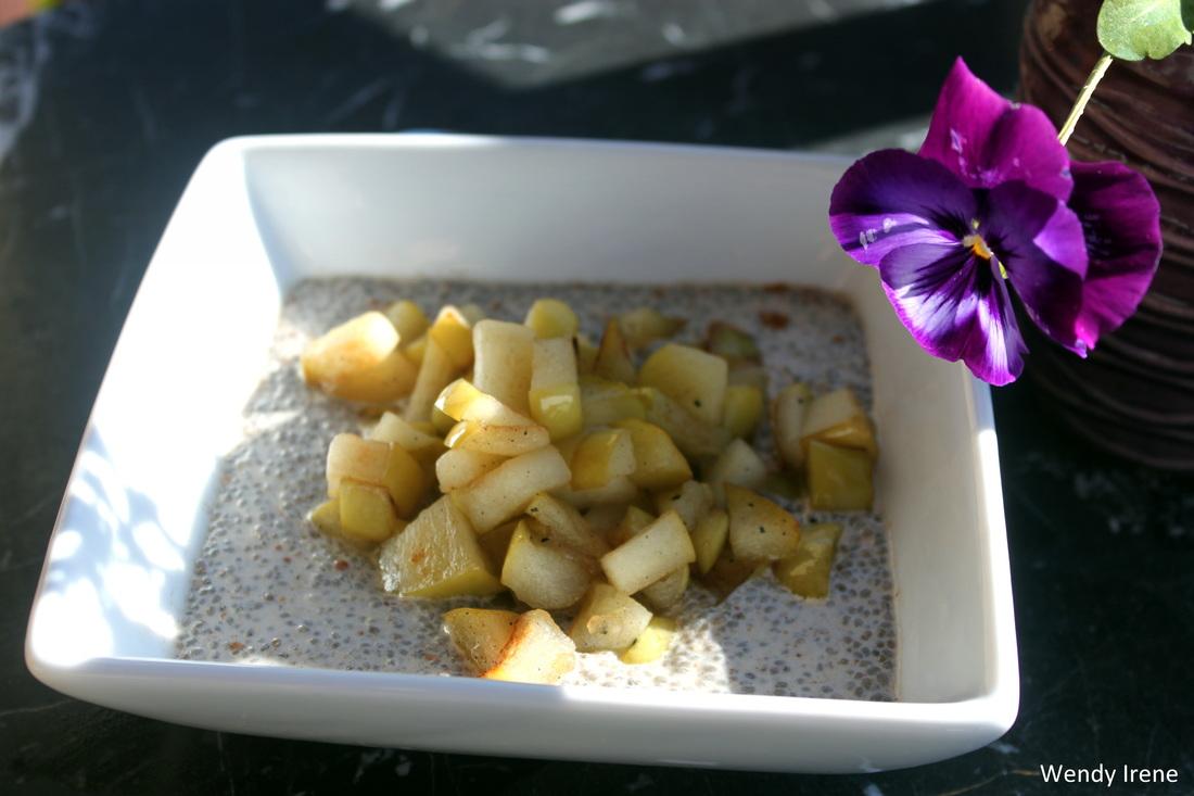 Vegan Apple Pie Chia Seed Pudding